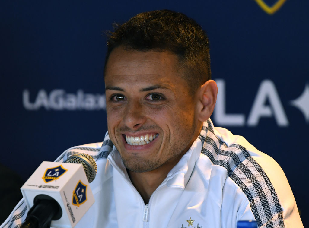 23/01/2020. Chicharito Messi Galaxy Mls Los Pleyers, Chicharito sonríe en la conferencia de presentación con el Galaxy.