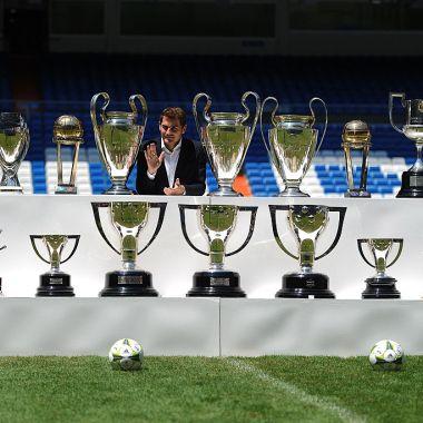 13/07/2015. Se veía venir: Iker Casillas ha dejado el futbol profesional. Se hizo el anuncio oficial de su retiro