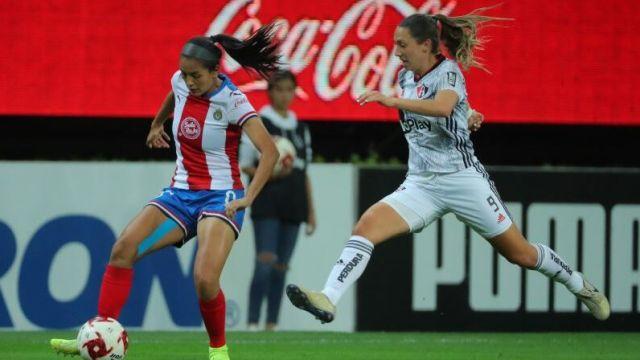 24/02/2020, La gerente deportiva de Chivas Nelly Simón considera que la Liga MX Femenil no es profesional