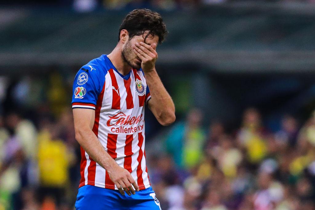 28/09/2019. Antonio Briseño Chivas Real Madrid Manchester City Los Pleyers, Briseño se lamenta una acción con Chivas.