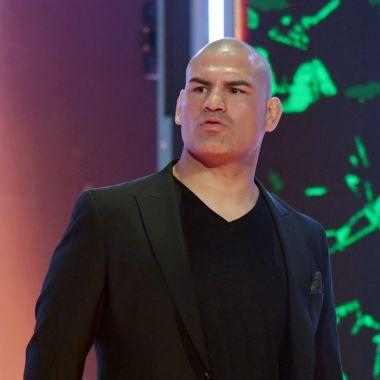 11/11/2019. Caín Velásquez Wwe Despido Luchador Los Pleyers, Caín Velásquez en una conferencia de prensa de la WWE.