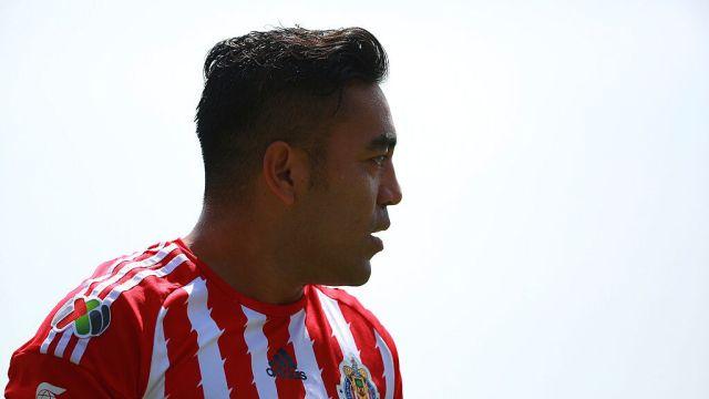 04/10/2015, Marco Fabián le dio su ayuda a Uriel Antuna para mejorar en Chivas