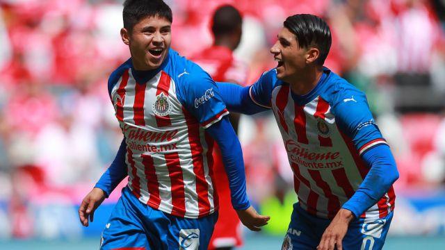 03/11/2019. Chofis López Fiesta Novia Cuarentena Los Pleyers, Chofis López festeja un gol con Chivas.