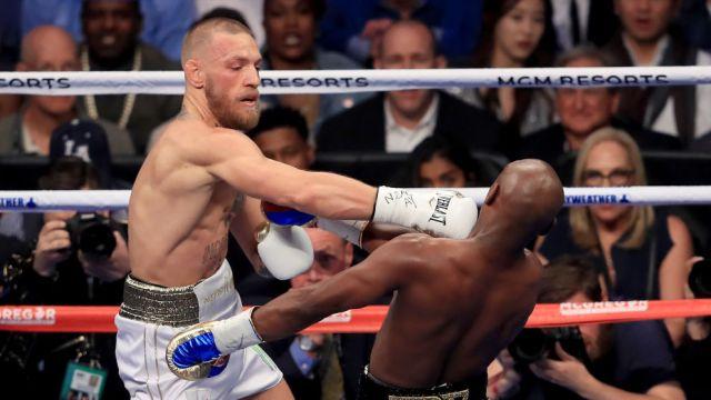 26/08/2017. Conor McGregor mandó mensaje a Mike Tyson en el que anuncio su pelea de revancha contra Floyd Mayweather