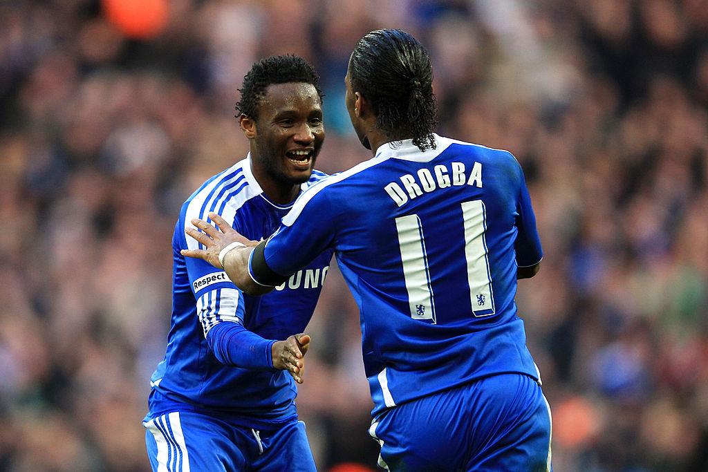 15/04/2012. John Obi Mikel Liga MX Monterrey América Los Pleyers, Drogba y Obi Mikel festejan un gol con el Chelsea.