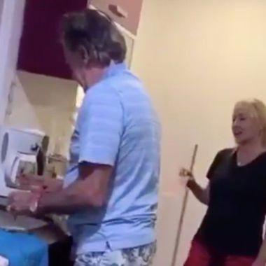 18/05/2020. La Volpe Tik Tok Video Esposa Los Pleyers, La Volpe junto a su esposa en la grabación.
