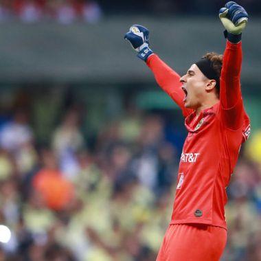08/12/2019, A pesar de que es del América Guillermo Ochoa es ejemplo de portero para Raúl Gudiño