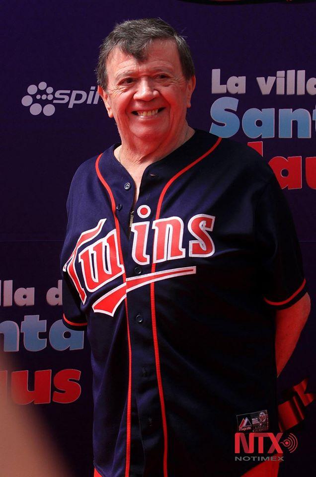 Chabelo solía mostrar un jersey de beisbol en su programa 23/06/2020