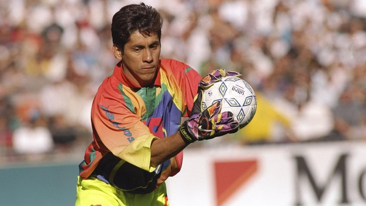 Checa el uniforme que usaba Jorge Campos como portero de la Selección Mexicana 18/06/2020