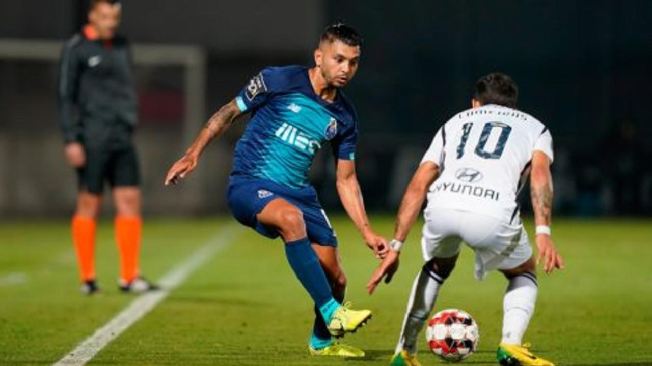 Tecatico Corona marca gol en derrota del Porto [VIDEO] 03/06/2020
