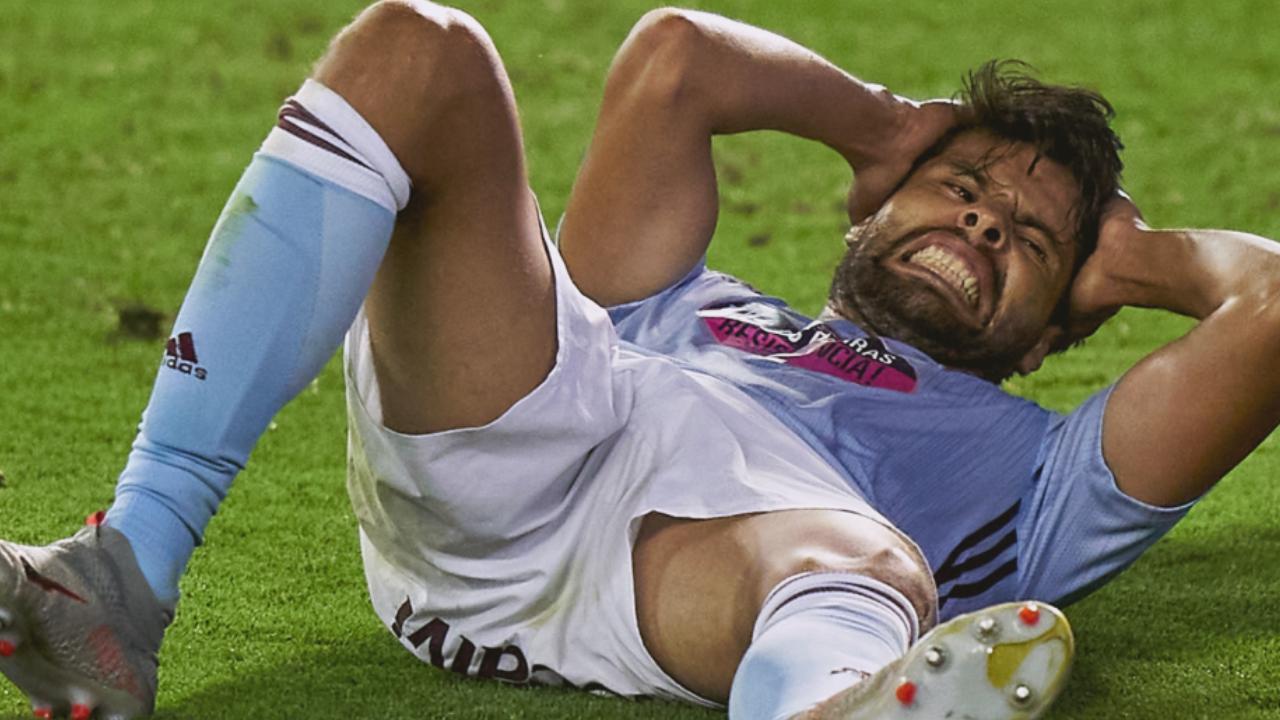 Néstor Araujo sufre golpe en la cabeza en el Celta de Vigo vs Levante 16/07/2020