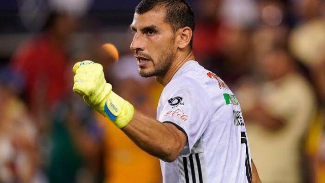 Tigres presiona a la FMF para que Nahuel Guzmán pueda jugar a pesar de Covid