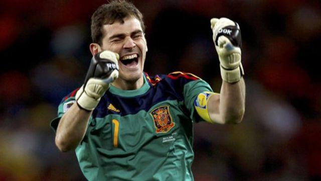 Iker Casillas anuncia su retiro del futbol profesional