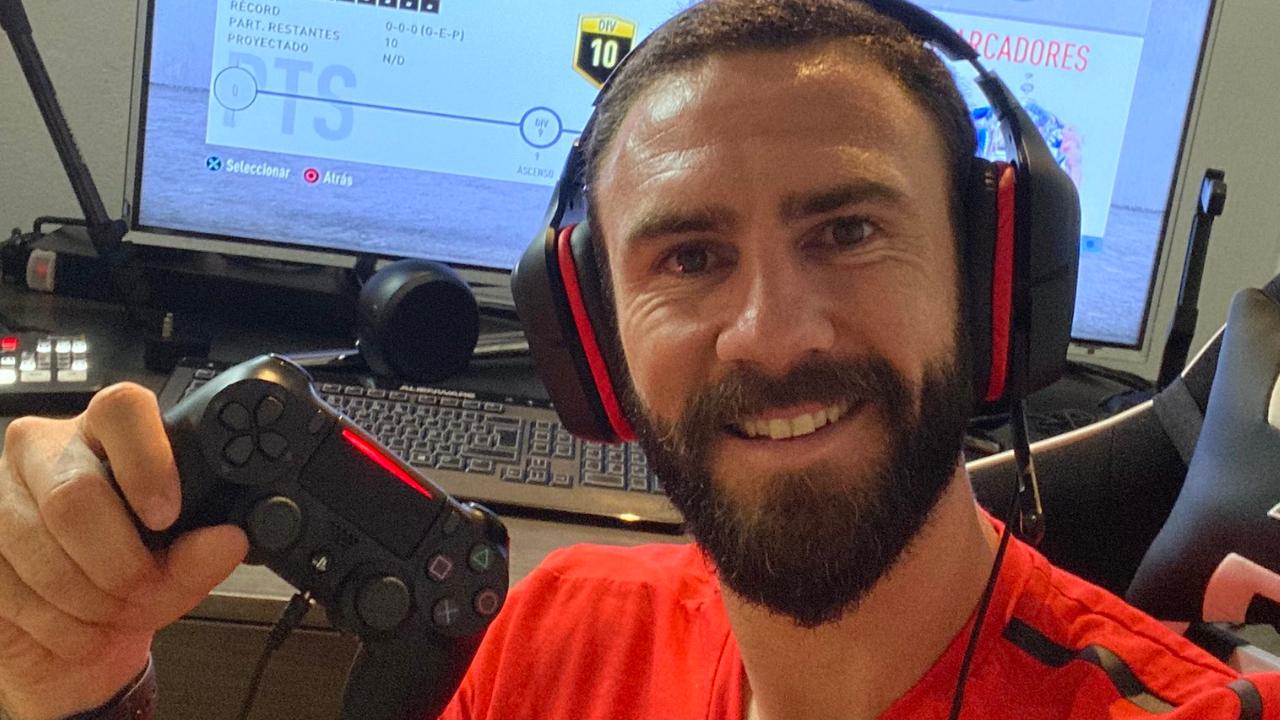 Miguel Layún incursiona en el mundo de los eSports