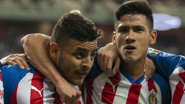 Chivas castiga a Vega y Antuna con recorte de sueldo