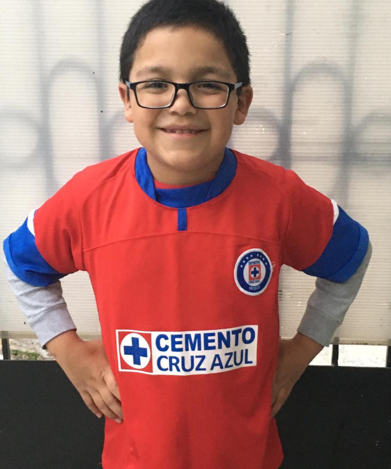 Gabo aficionado del Cruz Azul