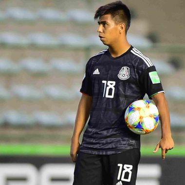 Efraín Álvarez puede jugar con México o Estados Unidos