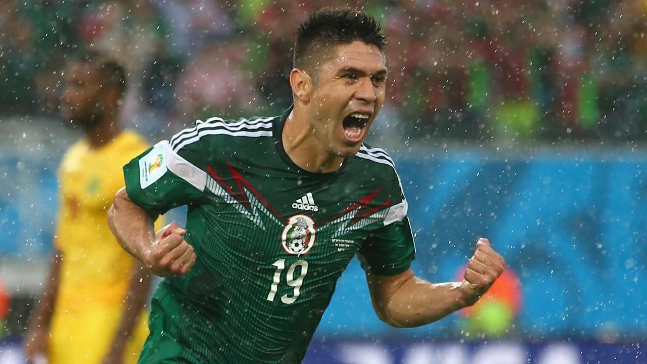 Oribe Peralta libro delantero mexico futbol