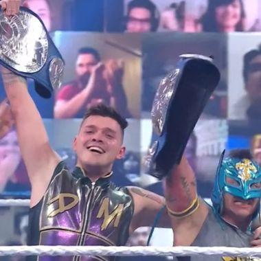 Dominik Mysterio rey wwe campeones parejas