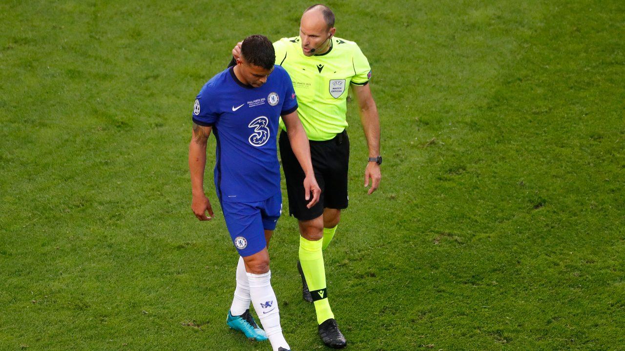 Thiago Silva sale lesión