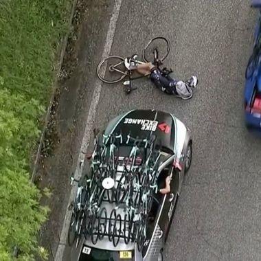 Giro de Italia Pieter Serry atropellado etapa 6