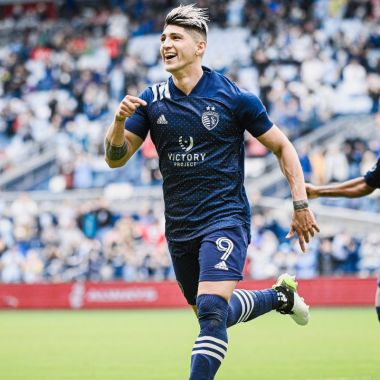Alan Pulido doblete mls sporting kansas city