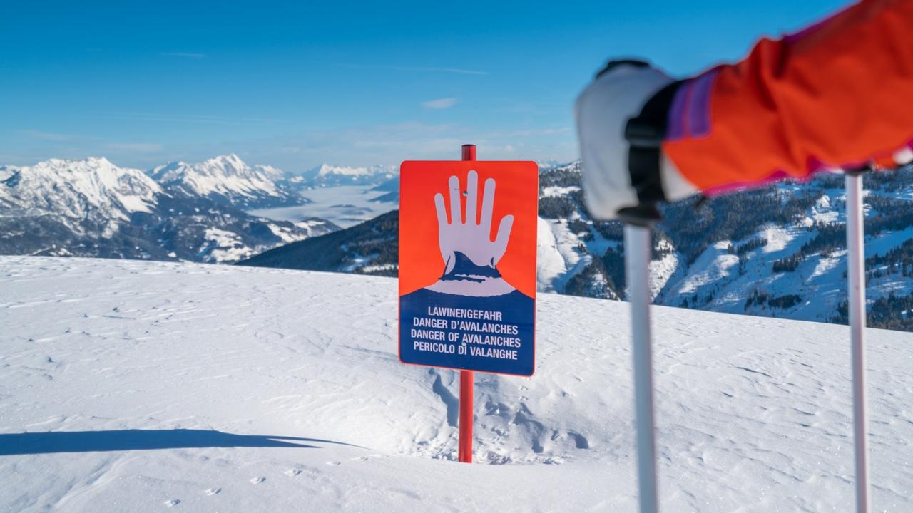Avalanchas Cinco esquiadores mueren Alpes Francia