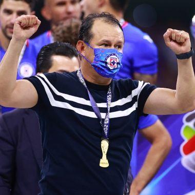 Juan Reynoso cruz azul refuerzos campeón