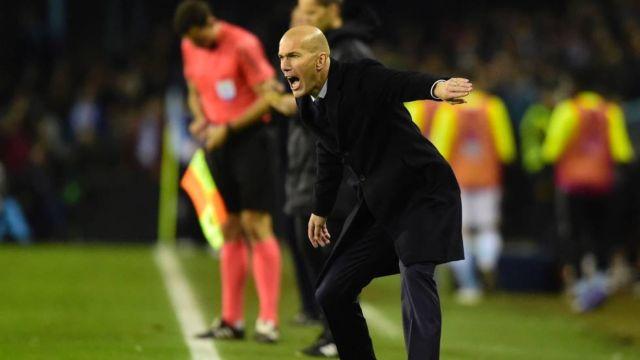 Zinedine Zidane grita periodista