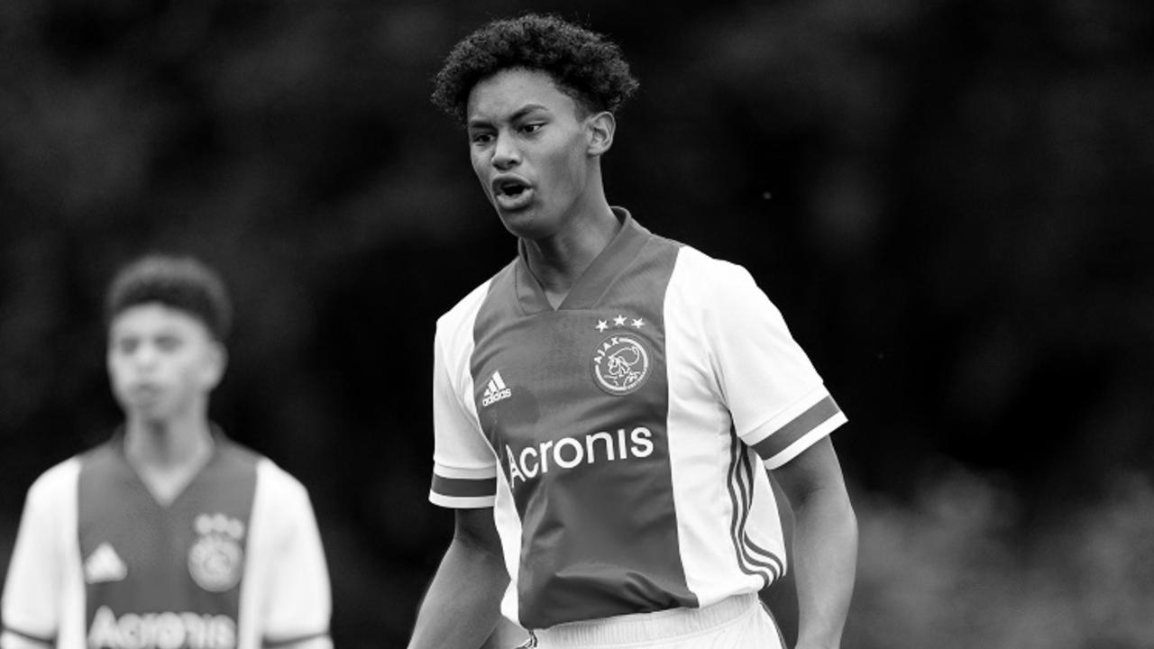 Noah Gesser, jugador de 16 años del Ajax