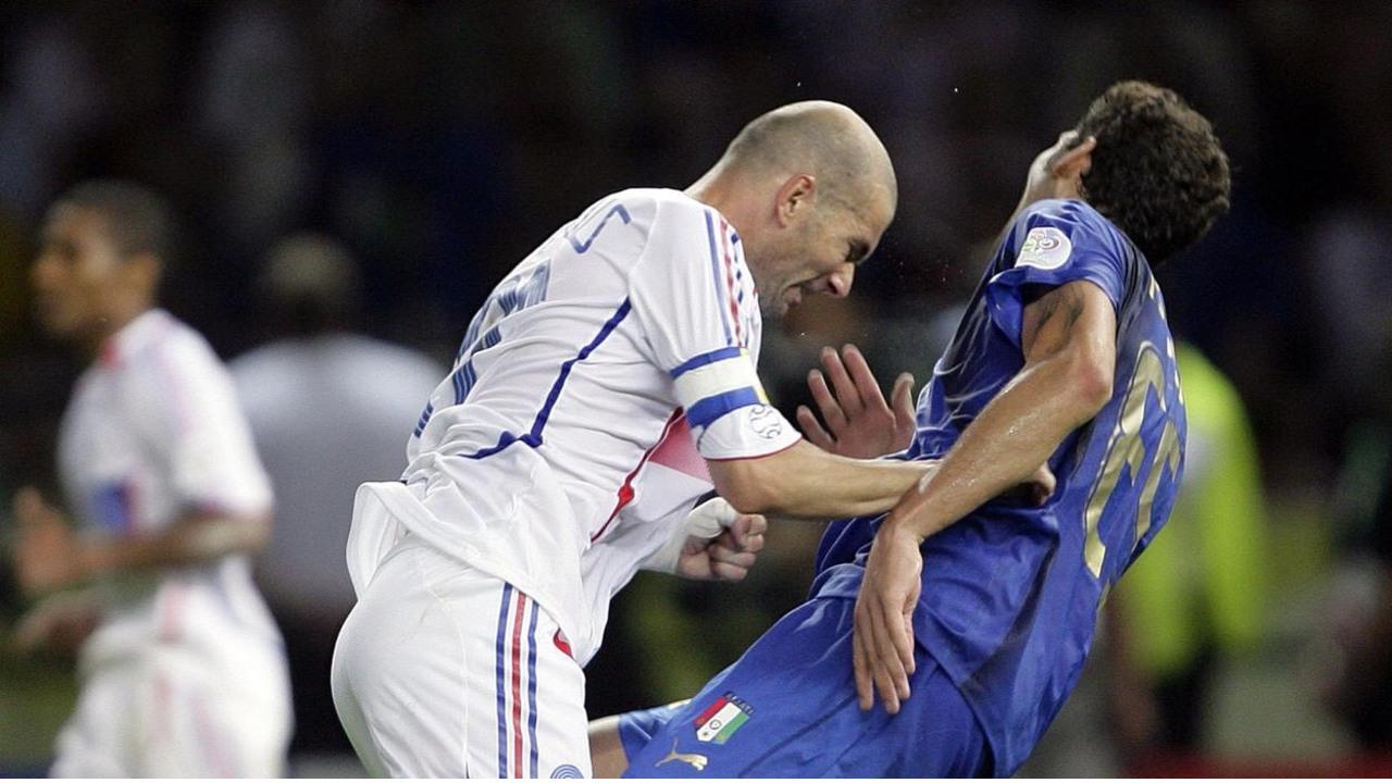 Zinedine Zidane cabezazo Marco Materazzi