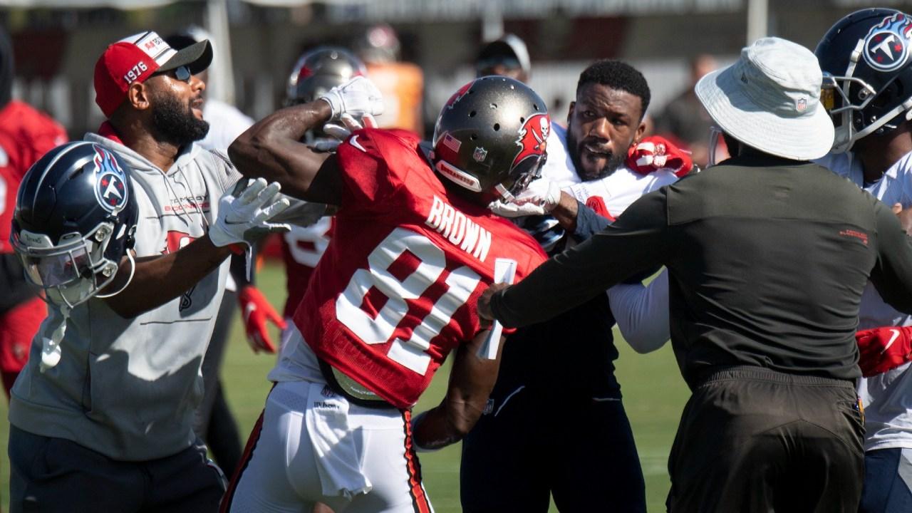 NFL Antonio Brown pelea
