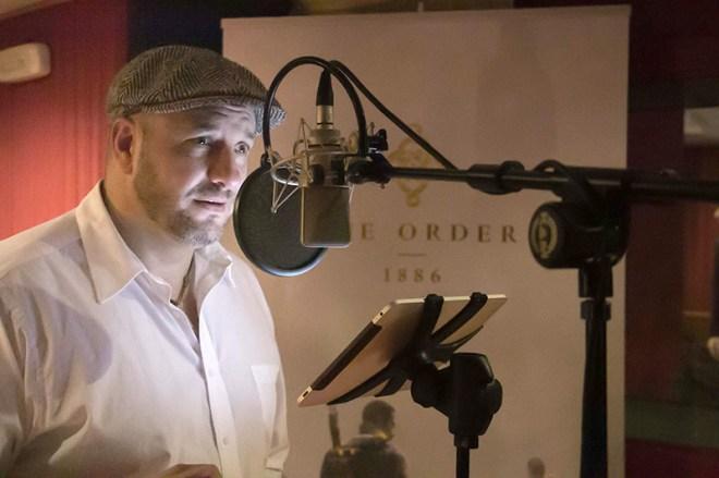 César Díaz, voz de Lafayette Doblaje The Order