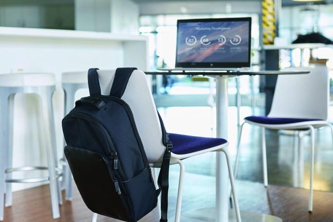 HP EliteBook 850 G5 in cafe.jpg