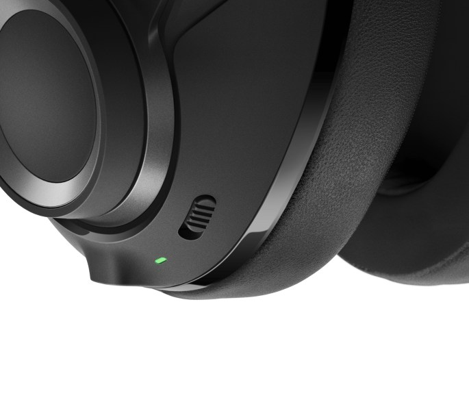 GSP_670_Headset_Detail_Feature_03_RGB_red