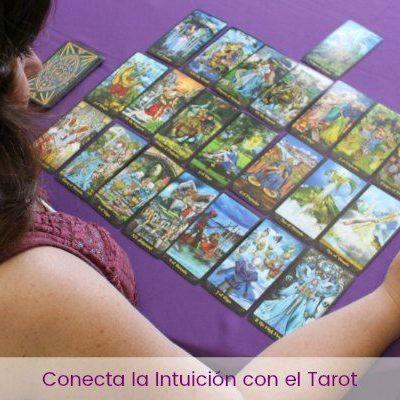 Cómo conectar tu intuición con el Tarot