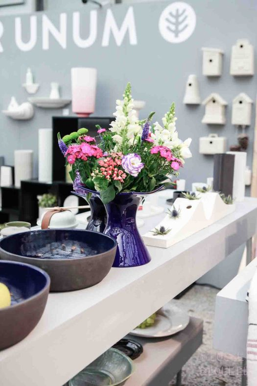 Cor unum vaas met losse bloemen