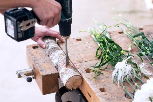 anjer-hout-beeld-mooiwatbloemendoen-anjer-diy-project-boren