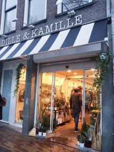lossebloemen Kerstshoppen in hartje Utrecht losse bloemen dille kamille utrecht stad