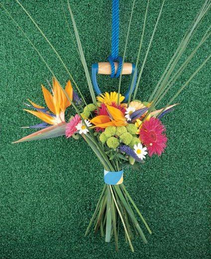 strelitzia-boeket-bloemen-binden-losse-bloemen-strelitzia-gerbera-chrysant-beeld--mooiwatbloemendoen.nl