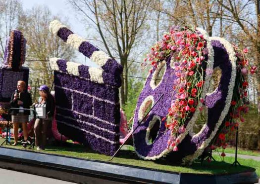 Bloemencorso bollenstreek praalwagen bloemen losse bloemen blog Noordwijk omroep max