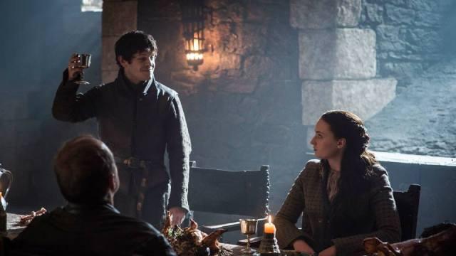 Ramsay Sansa cena HBO