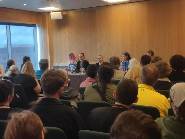 Linda Antonsson y Adam Whitehead en la Worldcon