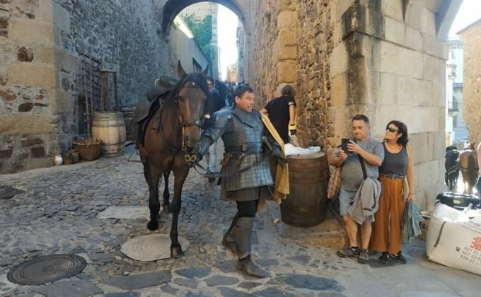Nuevos actores en el rodaje de House of the Dragon en Cáceres: ser Arryk (Raul Perez) y ser Erryk (Iñaki Monteno)