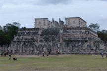 Templo de los Guerreros; Templo de Chac-Mool