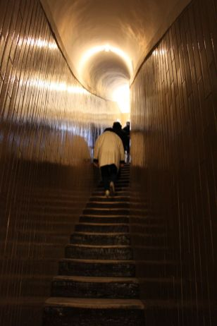 Treppen hinauf zur Kuppel von San Pietro in Vaticano (Peterskirche)