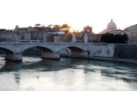 Blick von der Ponte Sant'Angelo Richtung Vatikan