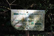 Wegweiser im Parque Natural Metropolitano