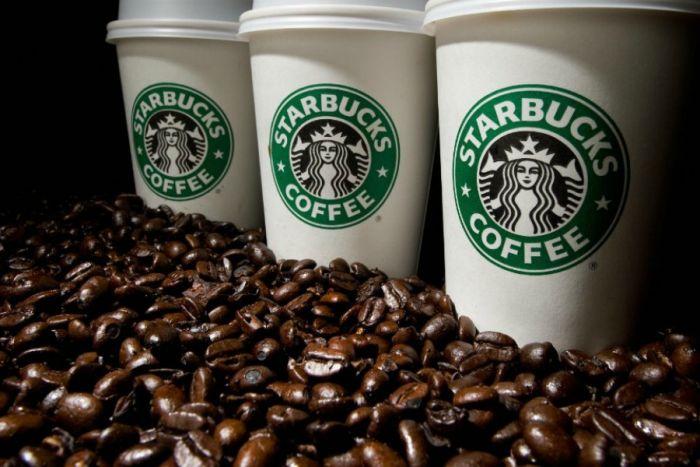 Starbucks a Milano| Palme e banani per far bere il caffè (americano) agli italiani ⋆