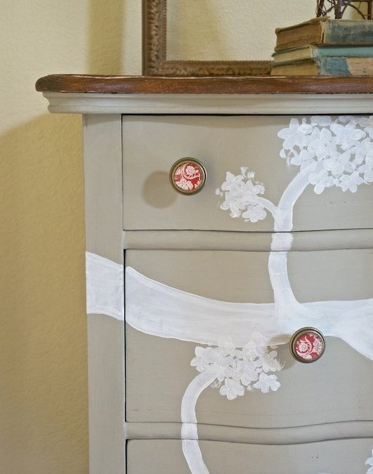 Rustic Oak Dresser { Furniture Makeover }